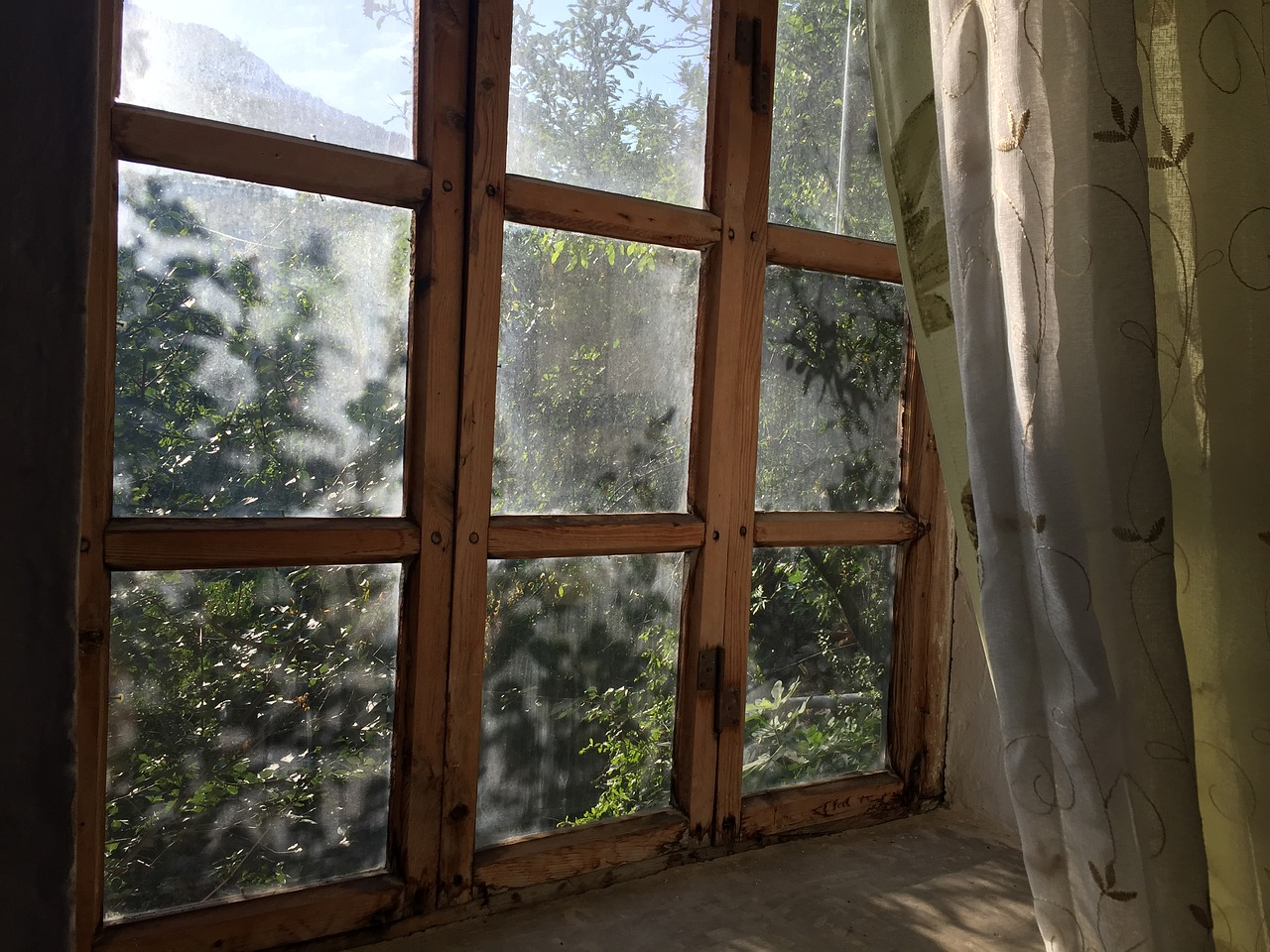 Should I Replace All The Windows At Once?